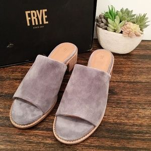EUC FRYE Cindy Mule in Jeans Oiled Suede
